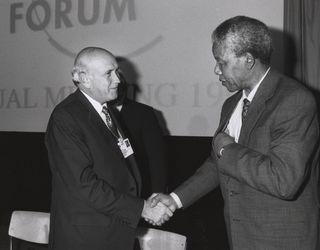 Frederik_de_Klerk_with_Nelson_Mandela_-_World_Economic_Forum_Annual_Meeting_Davos_1992.jpg